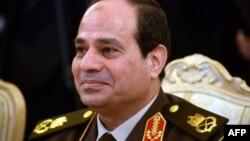 Shefi i ushtrisë së Egjiptit, gjenerali Abdul Fattah al-Sisi, ka dhënë dorëheqje dhe ka bërë publike kandidaturën e tij për president.