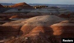 Utah səhrasında Mars dağlarına bənzər dağlıqlar.