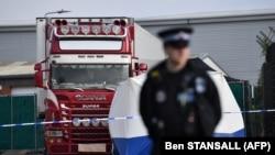 Kamion u kojem je pronađeno 39 tijela