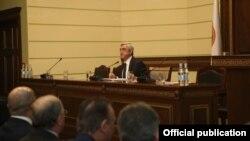 Վերլուծաբանների գնահատմամբ, Սարգսյանը իր ելույթով փորձում էր հանգստացնել հանրապետականներին