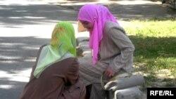 Women in Tajikistan wearing hijabs