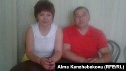 Нурсулу Абатова с мужем Азаматом Абатовым. Алматы, 28 августа 2015 года.