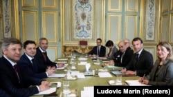 Владимир Зеленский на встрече с Эмманюэлем Макроном, Париж, 12 апреля 2019 года