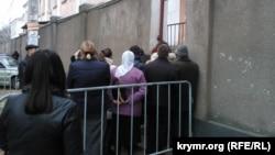 Очередь в отделение ФМС в Симферополе. Иллюстративное фото
