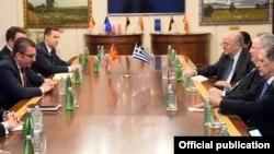 Скопје- претседателот на ВМРО-ДПМНЕ Христијан Мицкоски на средба со министерот за надворешни работи на Грција Никос Коѕијас