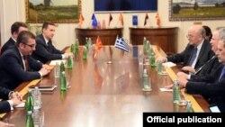 Претседателот на ВМРО-ДПМНЕ Христијан Мицкоски на средба со министерот за надворешни работи на Грција Никос Коѕијас, Скопје, 23.03.2018.