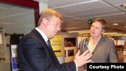 Lada Stipić Niseteo u razgovoru sa evropskim komsarom Stefanom Fuleom