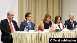 Претседателот на Република Северна Македонија, Стево Пендаровски денеска во Охрид се обрати на отворањето на дводневниот Безбедносен форум на поранешни студенти/алумни на Маршал Центарот.
