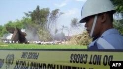 امدادگران به کمک قربانیان این سانحه هوایی شتافته اند.