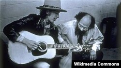 Allen Ginsberg (right) with Bob Dylan in 1975