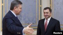Президент Украины Виктор Янукович и премьер-министр Молдавии Влад Филат