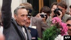 Тадеуш Мазовецький,на той час новообраний прем'єр-міністр Польщі, 24 серпня 1989 рік