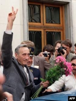 Тадеуш Мазовецкий после утверждения в должности премьер-министра Польши. Август 1989 года
