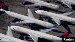 Тысячи самолетов по всему миру простаивают в аэропорту из-за коронавируса. Фотографии