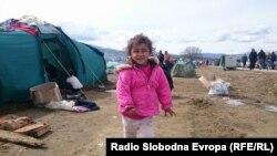 Бегалците во Идомени меѓу калта и надежта