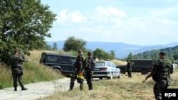 Srpski vojnici i policijski specijalci patroliraju svakodnevno na granici Bugarske i Srbije