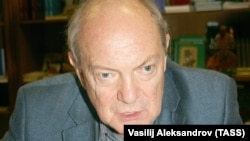 Анатолий Гладилин