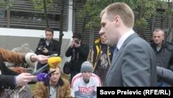 Premijer Igor Lukšić i aktivisti MANS-a