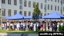 Вступительные экзамены в одном из вузов Самарканда.
