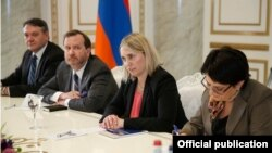 Armenia - U.S. Deputy Assistant Secretary of State Bridget Brink meets with Armenian Prime Minister Karen Karapetian in Yerevan, 17Nov2016.