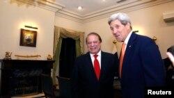 Джон Керри на встрече с Навазом Шарифом, 12 января 2015 года