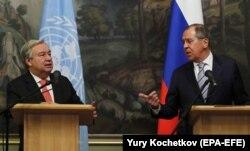 Генеральний секретар ООН Антоніу Гутерреш (ліворуч) під час преконференції в Москві з міністром закордонних справ Росії Сергієм Лавровим, 21 червня 2018 року
