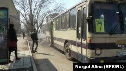 Петропавлдағы жолаушылар автобусы. 13 сәуір 2017 жыл