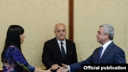 Президент Армении Серж Саргсян встречается с представителями партии «Процветающая Армения», Ереван, 12 марта 2015 г. (Фотография - пресс-служба президента Армении)