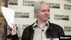Oсновачот на Викиликс Џулијан Асанж.