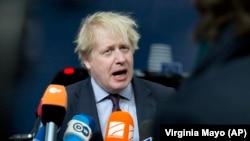 Министр иностранных дел Великобритании Борис Джонсон выступает в Брюсселе. 19 марта 2018 года.