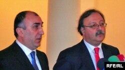 Gürcüstanın xarici işlər naziri Qriqol Vaşadze və onun azərbaycanlı həmkarı Elmar Məmmədyarov