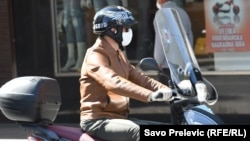 Montenegro -- People wearing masks (mask) on the streets of Podgorica due to coronavirus outbreak, March 20, 2020.