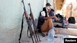 Күрдістан жұмысшы партиясы (КЖП) жауынгерлері деп жарияланған сурет. Түркия, 17 тамыз 2015 жыл.