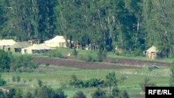 სამხედრო ბაზები სოფელ ნიქოზთან