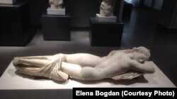 """""""Спящий гермафродит"""". Римская копия II в. н.э. с греческой скульптуры II в. до н.э. Рим, палаццо Массимо."""