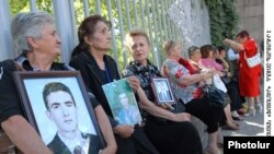 Armenia -- Relatives of the victims of the March 2008 unrest protest outside parliament. 15Sept2009