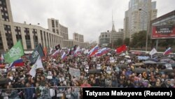 Протестиращите в Москва настояват за освобождаването на лидерите на опозицията