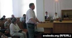 Экс-кандыдат у прэзыдэнты Дзьмітры Вус на паседжаньні ЦВК, 2012