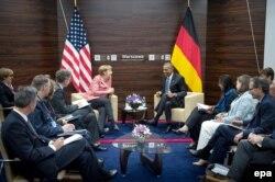 Ангела Меркель и Барак Обама на саммите в Варшаве. 9 июля
