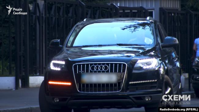 Цю Audi Q7 можна нерідко побачити біля економічного департаменту Нацполіції