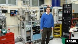 Фізик Олексій Литовченко на робочому місці у Падові