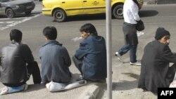 گالوپ و بانک جهانی میگویند بیکاری ارتباط نزدیکی با میزان «تجربه منفی» افراد دارد.