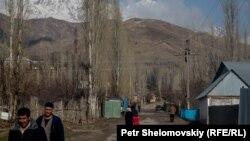 Жители таджикского села Бобои Вали.