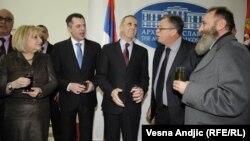 Zvaničnici Skupštine Srbije i Narodne skupštine RS sa ruskim ambasadorom u Srbiji na izložbi u Arhivu Jugoslavije, mart 2012.