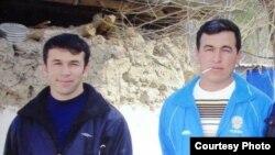 Убитый в России Фаррух Оразов (справа) с младшим братом Ильхомом.