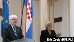 Ivo Josipović i Vesna Pusić u obraćanju novinarima, 7. ožujka 2012.