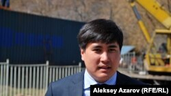 Сотрудник Бостандыкского акимата Бахытжан Наурызбеков. Алматы, 5 апреля 2013 года.