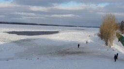 Зимняя река (иллюстративное фото)