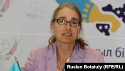 Сара Сьюэлл, заместитель государственного секретаря США по вопросам гражданской безопасности, демократии и прав человека. Астана, 17 августа 2016 года.