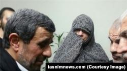 خبرگزاری تسنیم گزارش داده که محمود احمدینژاد روز جمعه در منزل محافظ سابق خود حضور یافته است.